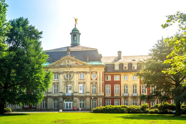 Westfälische-Wilhelms-Universitaet-Muenster Hochschulen